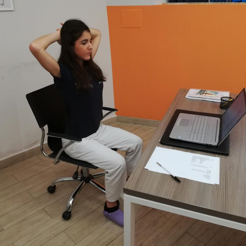 Mal di schiena da ufficio. - fisioterapia Forte dei Marmi